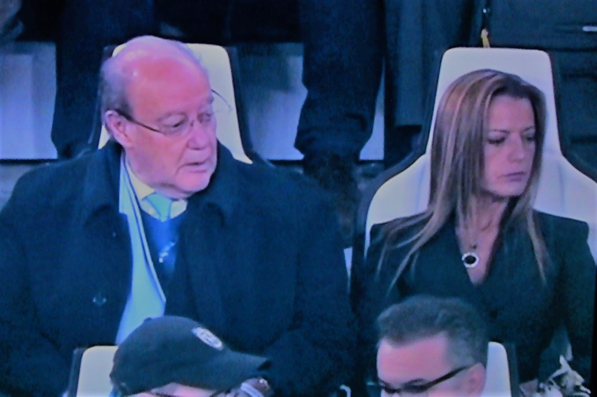 Pinto da Costa já leva a namorada ao estádio